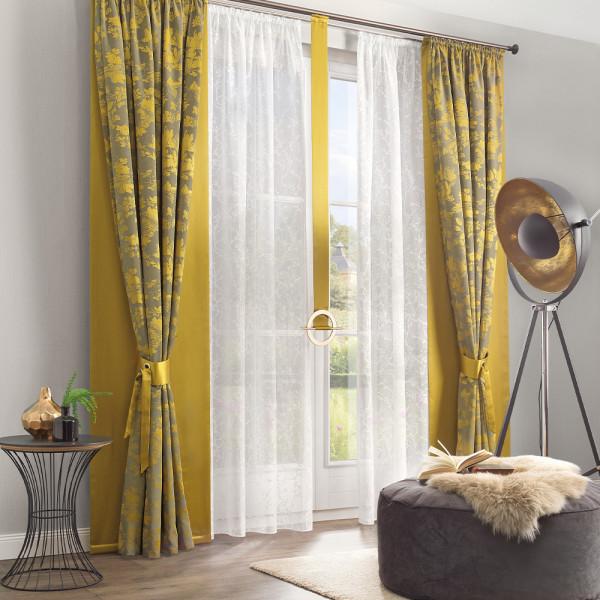 Jacquard-Gardine und passender Dekostoff für Ihr Wohnzimmer