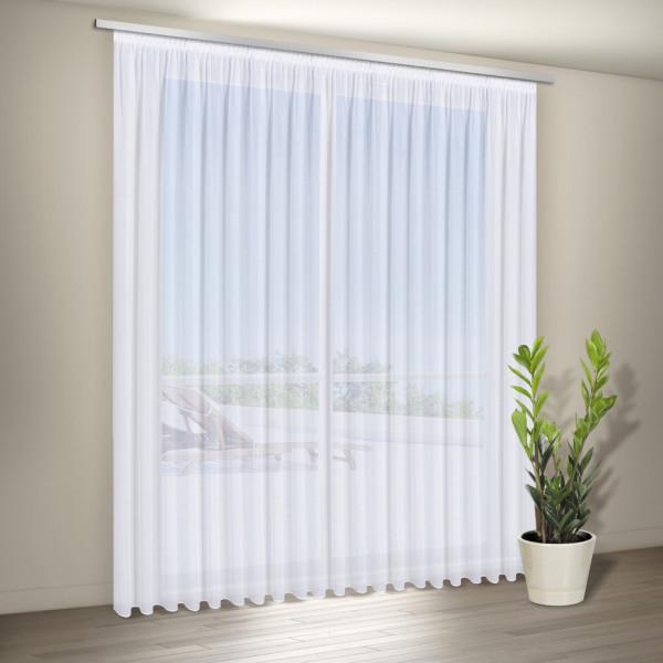 Weiße Gardine für Wohnzimmer oder Schlafräume